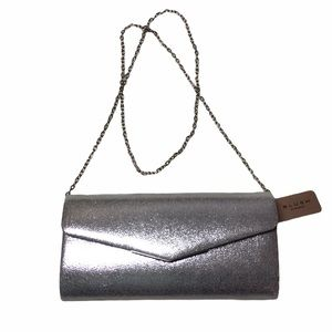 SILVER CROSSBODY/CLUTCH STYLE SPECIAL OCCASION BAG